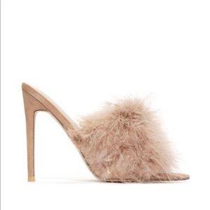 Miss Lola Fur Heels